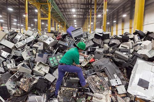 Mỹ thúc đẩy tái chế rác thải điện tử. Ảnh: Digitaltrends