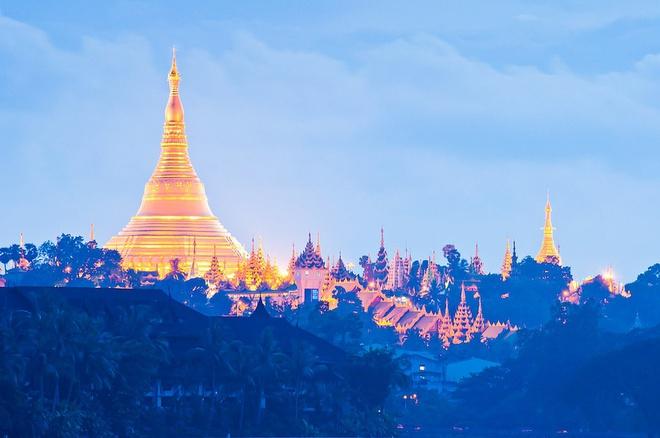 Yangon là thành phố lớn nhất Myanmar, đồng thời cũng là trung tâm kinh tế, nút giao thông quan trọng và sở hữu nhiều điểm du lịch nổi tiếng thế giới. Tuy nhiên, vào tháng 11/2005, Hội đồng Hành chính Quân sự Myanmar đã quyết định dời đô từ Yangon về Naypyidaw. Ảnh: Jingphaw.