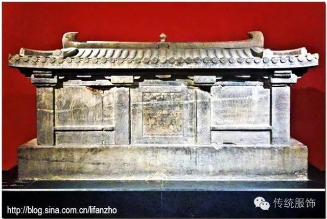 """Từ 4 chữ """"người mở sẽ chết"""" trên quan tài của cháu gái Hoàng hậu đến thi thể nữ mặc long bào, hé lộ loạt bí ẩn về mộ cổ Trung Hoa - Ảnh 2."""