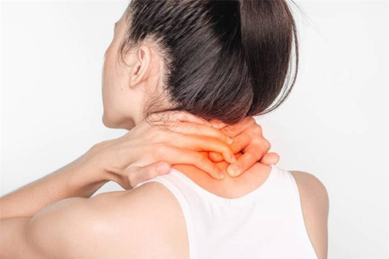 Đánh bay cơn đau cổ vai gáy khi làm việc tại nhà