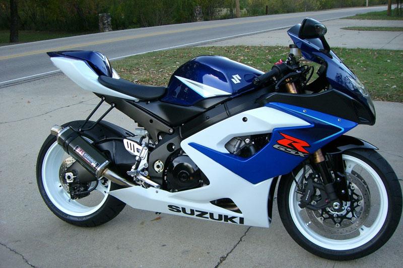 1. Suzuki GSX-R1000 2006 (thời gian tăng tốc từ 0-96 km/h: 2,35 giây).