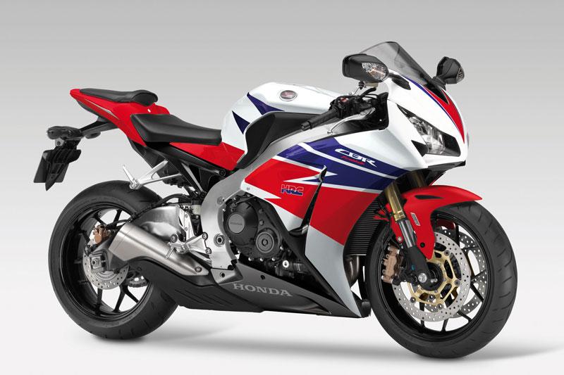 =6. Honda CBR1000RR Fireblade 2013 (thời gian tăng tốc từ 0-96 km/h: 2,6 giây).
