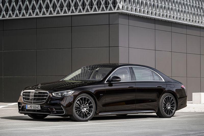 6. Mercedes-Benz S 580e.