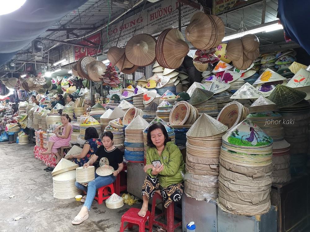 Người bán hàng lưu niệm trên QL1A phải nghỉ việc do yêu cầu phòng chống dịch sẽ được tỉnh Thừa Thiên Huế hỗ trợ 2 triệu đồng/người. (Ảnh minh hoạ)