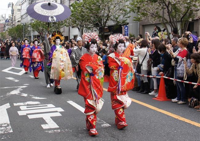 Oiran - kỹ nữ cao cấp thời Edo tại Nhật: Nhan sắc lộng lẫy, thu nhập tiền tỷ và những bí mật ít người biết - Ảnh 7.