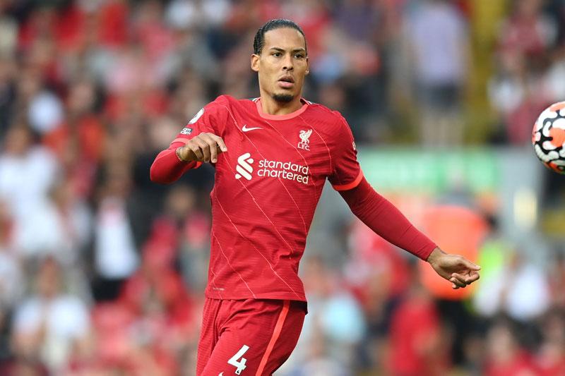 Hậu vệ: Virgil van Dijk (Liverpool).