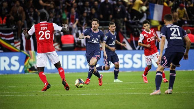 PSG giành chiến thắng với tỷ số 2-0 và Messi cũng đã có trận ra mắt nhưng cách chơi của đội bóng này vẫn khá rời rạc