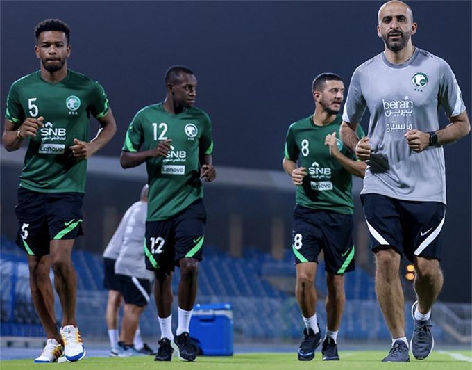 Với 25 cầu thủ được gọi, Saudi Arabia đã có sự chuẩn bị khá kỹ càng