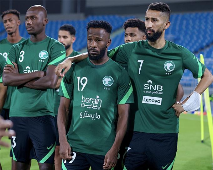 Cho đến nay, Saudi Arabia đã có 5 lần góp mặt tại VCK World Cup, vào các năm 1994, 1998, 2002, 2006 và 2018. Trong đó có 4 lần liên tiếp từ các năm 1994 - 2006