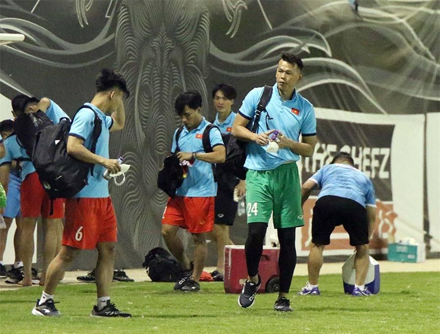 ĐT Việt Nam sẽ có thêm 2 buổi tập nữa để chuẩn bị cho trận đấu với Saudi Arabia, trong đó có 1 buổi tập làm quen sân thi đấu Mrsool Park vào tối ngày 1/9 tới.