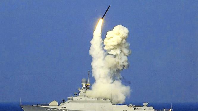 Chiến hạm Nga phóng tên lửa hành trình Kalibr. Ảnh minh họa.