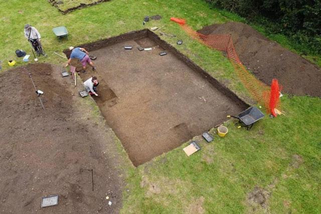 Tàn tích của tu viện do nữ hoàng Anh Cynethruth lãnh đạo vừa được tìm thấy.