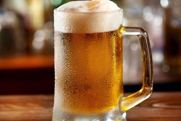Bia có nhiều công dụng hữu ích cho đời sống. Ảnh: Homeremedy.