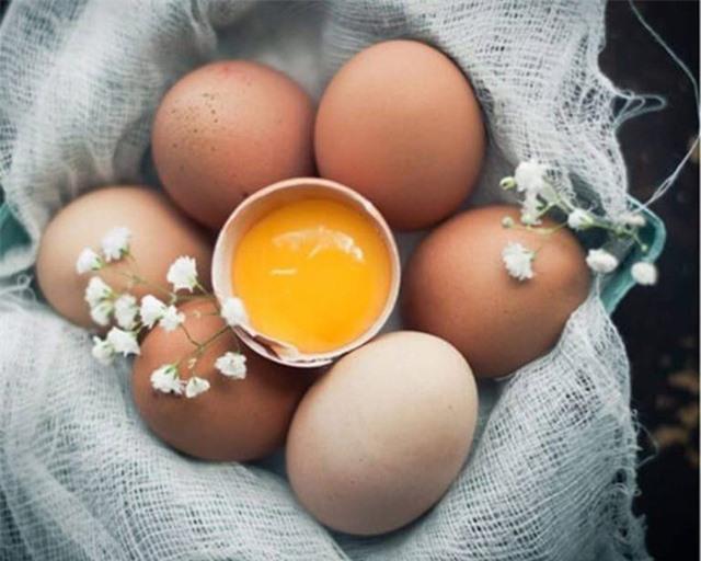 8 điểm lưu ý khi bảo quản trứng để tươi ngon, đảm bảo dinh dưỡng tại nhà: Thời hạn sử dụng của trứng thực sự rất ngắn, 99% mọi người đang lưu trữ sai cách - Ảnh 4.
