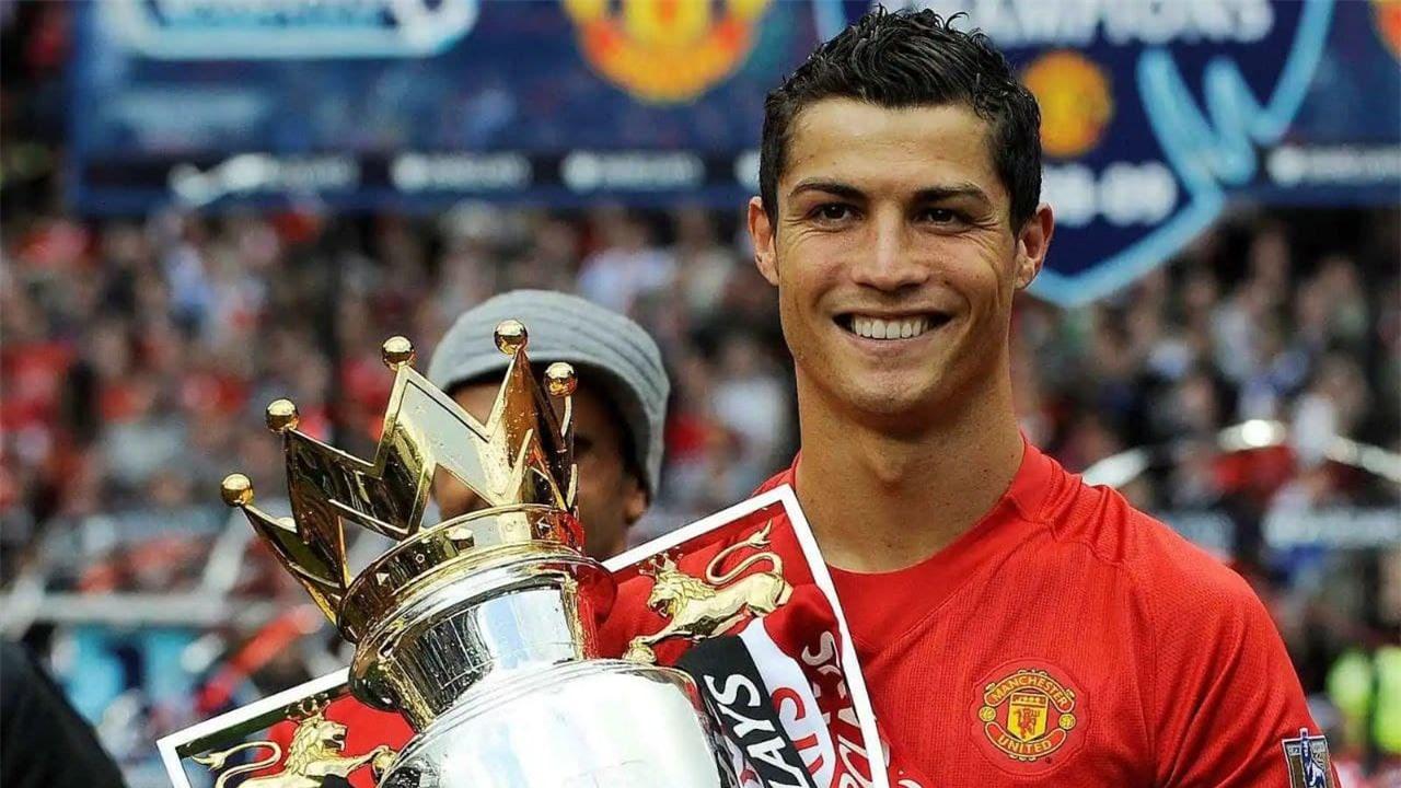 Cristiano Ronaldo từng cùng MU đoạt 3 chức vô địch Premier League