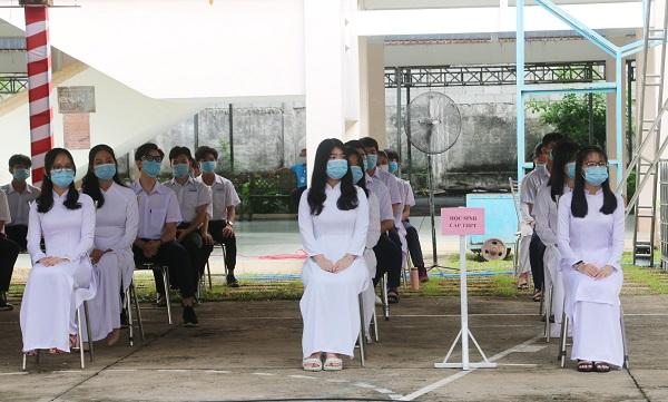 Năm nay, Cần Thơ có hơn 250.000 học sinh tham dự buổi lễ đặc biệt qua tivi.