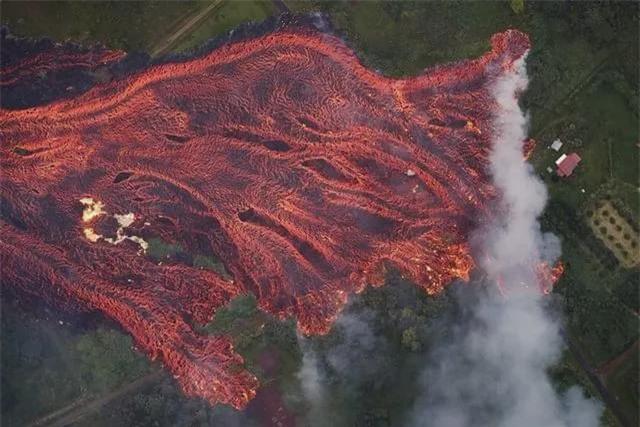Sức mạnh của thiên nhiên đáng sợ đến mức nào? Cùng nhìn những bức ảnh chân thực ghi lại các thảm họa kinh hoàng trong lịch sử - Ảnh 1.