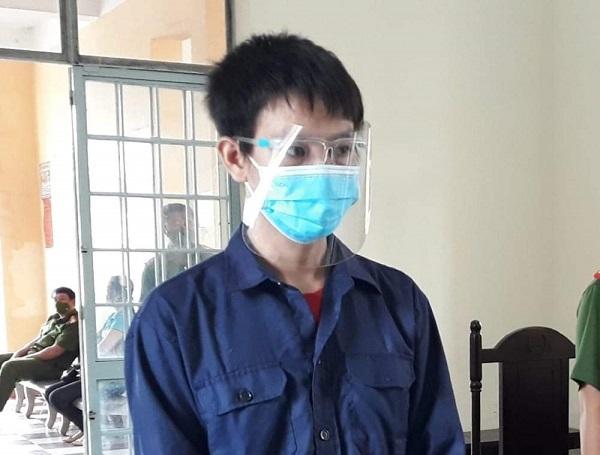 Thanh niên nhậu say đánh cán bộ trực chốt bị phạt 9 tháng tù.