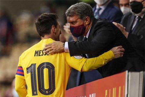 Chủ tịch Laporta chưa nói chuyện với Messi từ khi anh rời Barca