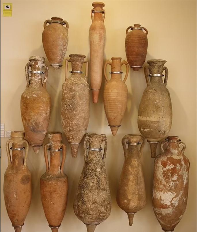 Kho báu tàu ma: đầy bình rượu quý, 2.200 năm vẫn nguyên vẹn khó tin - Ảnh 2.