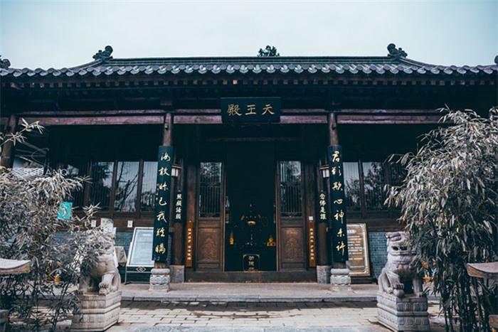 Ngôi chùa hàng nghìn năm tuổi bỗng dưng nổi tiếng chỉ vì loài cây này 5