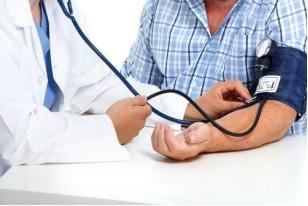 Kiểm soát huyết áp giúp phòng ngừa tai biến mạch máu não tái phát.