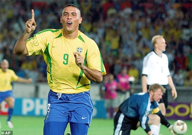 Ronaldo béo là người giành nhiều điểm nhất ở tiêu chí danh hiệu ở cấp ĐTQG.