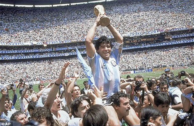 Maradona chỉ đứng thứ 9 trong BXH của Đại học Oxford