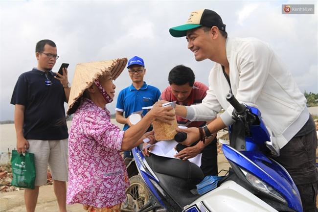 Giữa lùm xùm từ thiện, MC Phan Anh bỗng dưng tung 6,5kg sao kê 24 tỷ kêu gọi cứu trợ miền Trung năm 2016 - Ảnh 8.