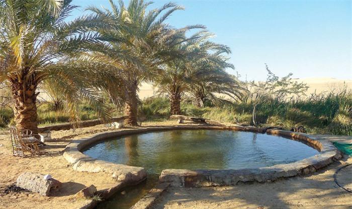 Hồ tắm khoáng Nữ hoàng Cleopatra