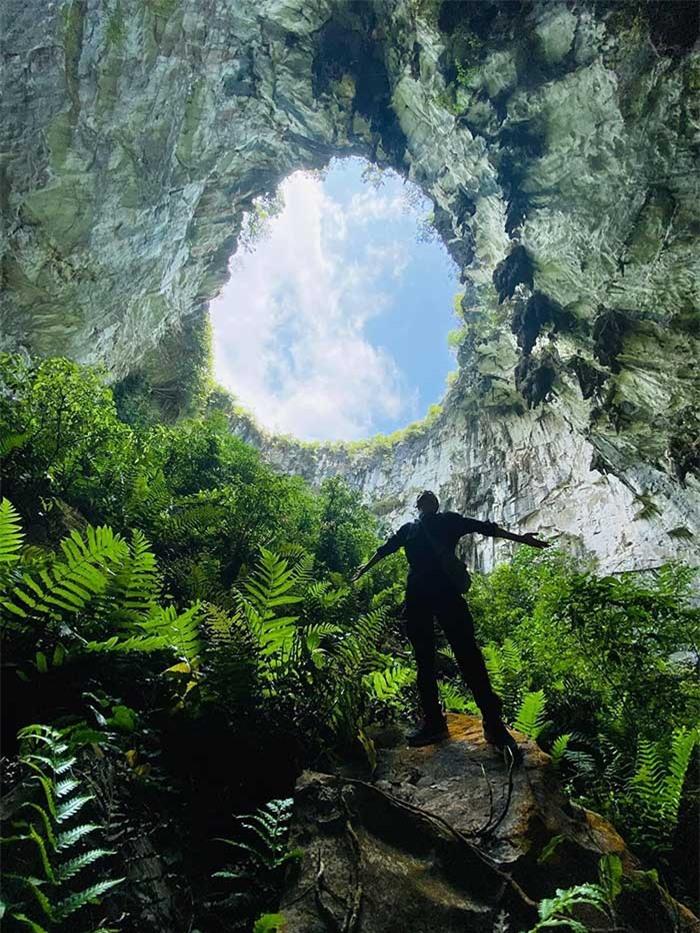 Khám phá vùng đất hoang sơ như thời tiền sử trong hố sụt Mèo Vạc – Hà Giang, phiên bản mini của kì quan hang động Sơn Đoòng - Ảnh 1.