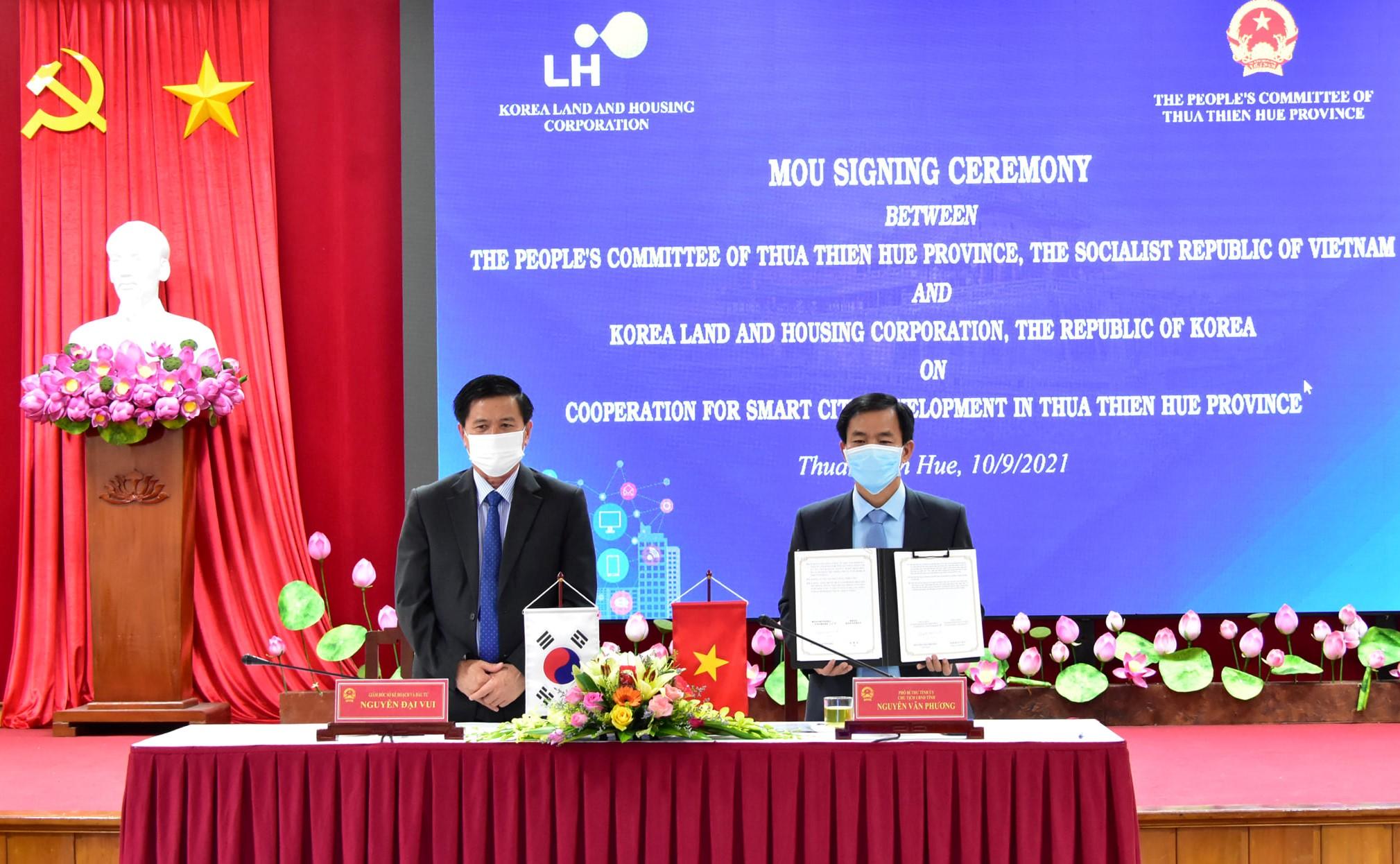 Biên bản được ký kết tại điểm cầu tỉnh Thừa Thiên Huế.