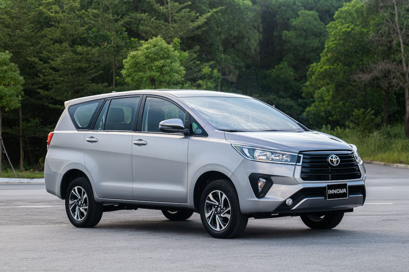 6. Toyota Innova (doanh số: 23.800 chiếc).