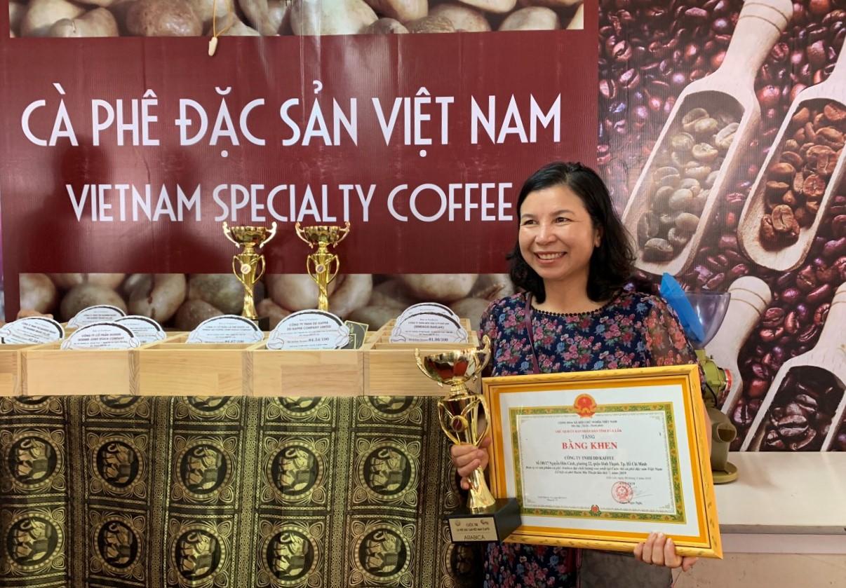bà Nguyễn Thị Tám - Giám đốc Công ty TNHH Xuất nhập khẩu cà phê Tám Trình