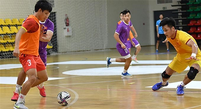 ĐT futsal Việt Nam đang chú trọng rèn các pha phản công nhanh, chuẩn bị cho trận đấu với Brazil