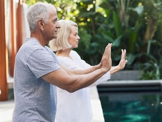 Yoga là lựa chọn tốt cho bệnh nhân viêm khớp dạng thấp