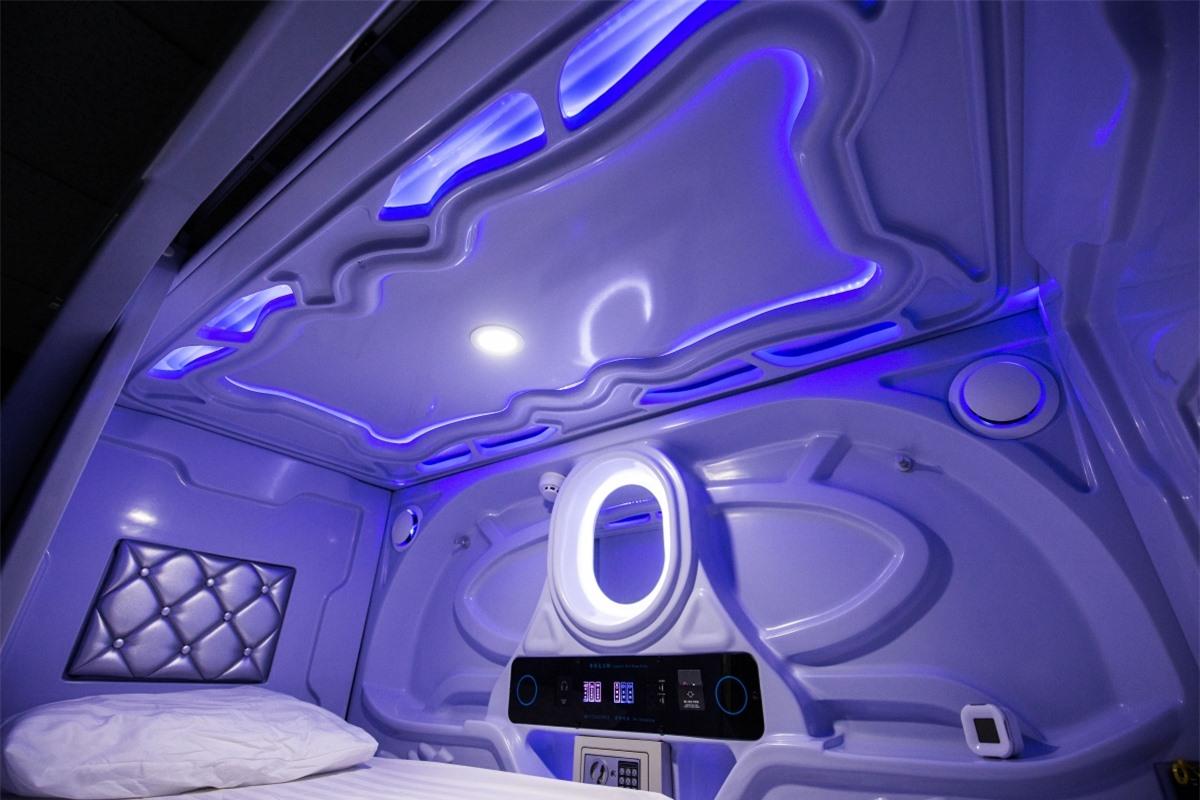Khoang ngủ hiện đại tạiGalaxy Pod Hostel ở Iceland. Nguồn: Booking.com