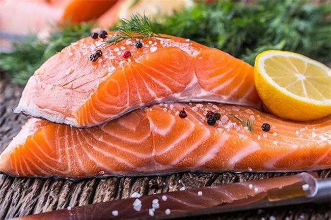 Ăn cá nào để mẹ khỏe, con thông minh? Điểm danh các loại cá biển tốt cho bà bầu - Ảnh 1.