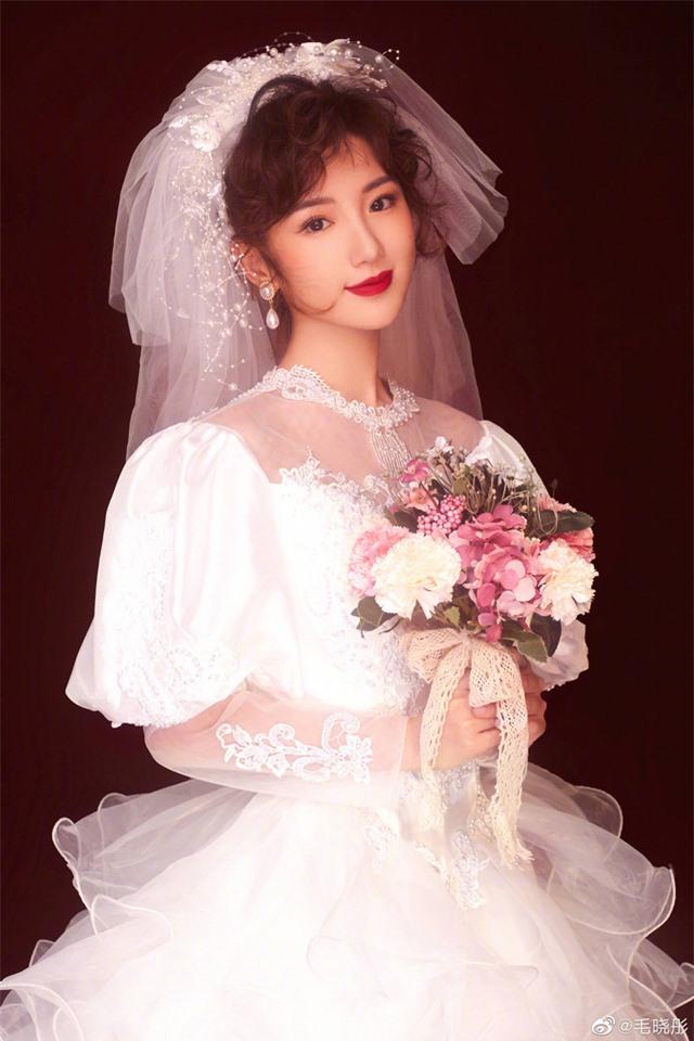 Liêu xiêu vì cô dâu Mao Hiểu Đồng đẹp như mơ - Ảnh 2.