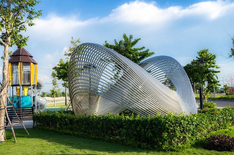 Chuỗi tiện ích đặc quyền 5 sao Regal Home hoàn thiện, sẵn sàng phục vụ chủ nhân tương lai: Công viên Victoria Angel Park, River Park lộng lẫy cùng khu thể thao phức hợp: Tennis, cầu lông, bóng chuyền...