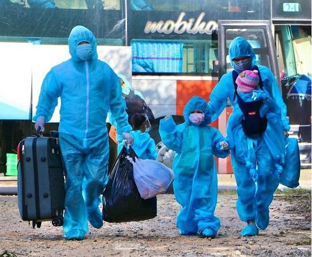 Công dân Quảng Ngãi ở các vùng có dịch phía nam được đón về quê  và đưa đi cách ly y tế