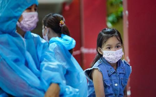Có hơn 1.500 học sinh bị mồ côi vì COVID-19 ở TP Hồ Chí Minh.