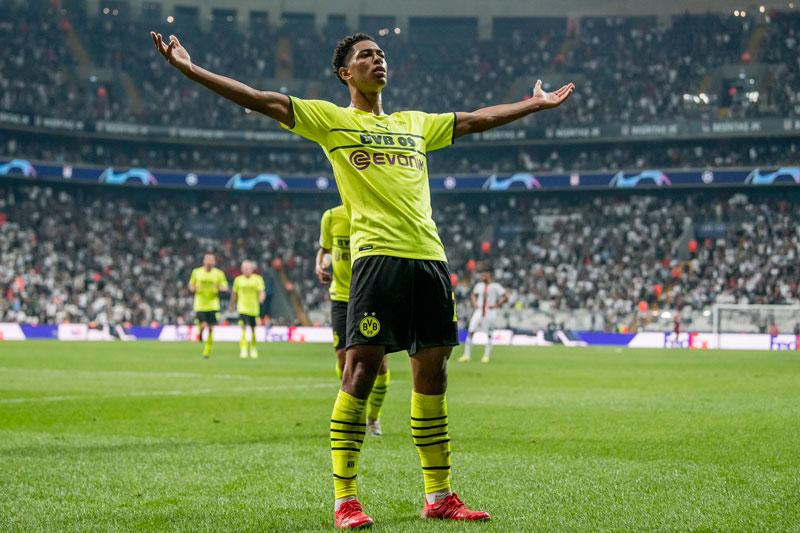 Tiền vệ trung tâm: Jude Bellingham (Borussia Dortmund).