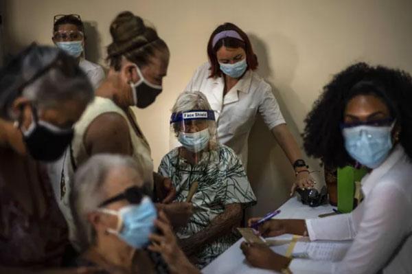 Các nước châu Á tăng tốc tiêm vaccine, dịch COVID-19 không thể kết thúc trong vòng 6 tháng tới