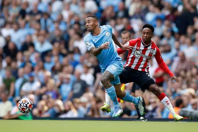 Tung ra 1 cú sút trúng đích, Man City chia điểm Southampton trên sân nhà