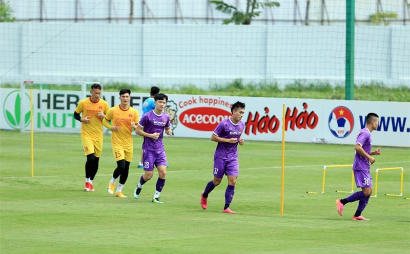 Tiền vệ trẻ đầy tiềm năng của U22 Việt Nam - Trần Văn Công (37) được đôn lên tập luyện cùng ĐT Việt Nam - Ảnh: Đức Cường