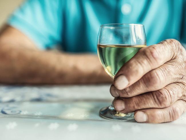 Sử dụng đồ uống có cồn làm tăng nguy cơ ung thư