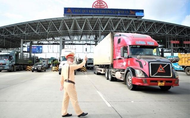 Tổng cục Đường bộ tiếp tục đề nghị các tỉnh bãi bỏ văn bản trái với chỉ đạo của Thủ tướng để tạo thuận lợi cho vận tải hàng hóa