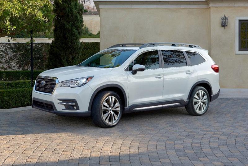 =8. Subaru Ascent 2021 (mức tiêu hao nhiên liệu ở đường hỗn hợp: 12,3 lít/100 km).