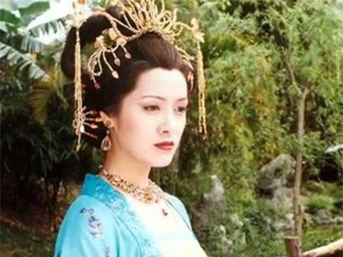 Vì sao Dương Qúy Phi mãi không được làm hoàng hậu?